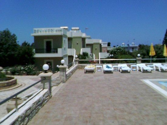 Ran-Mari Apartments : Hotel