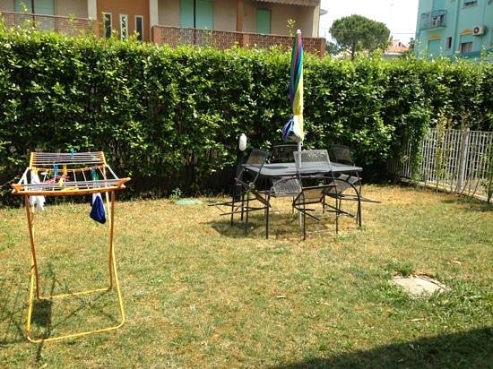 Aparthotel Gioia : giardino