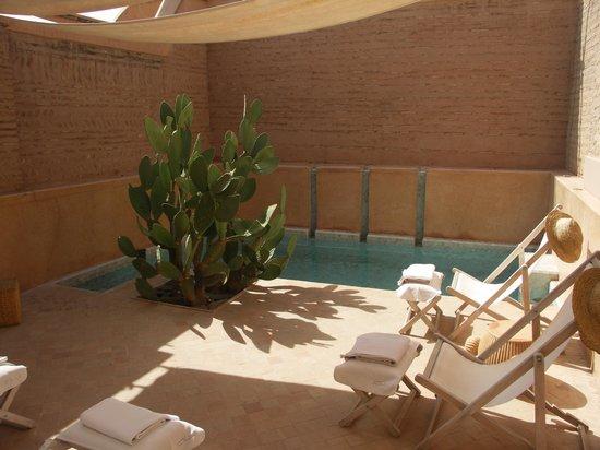 Dar Housnia: Pool