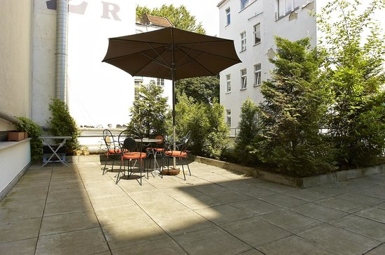 Apartmenthouse Berlin : Terrasse