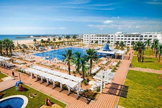 Concorde Hotel Marco Polo: gardens