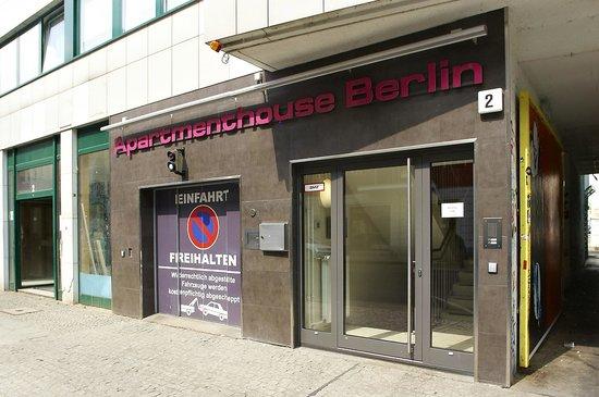 Apartmenthouse Berlin : Eingangstür