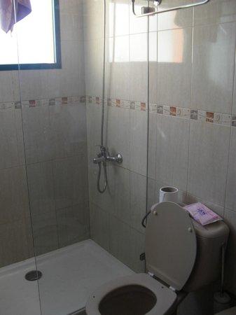 Bungalows Castillo Playa: Bathroom
