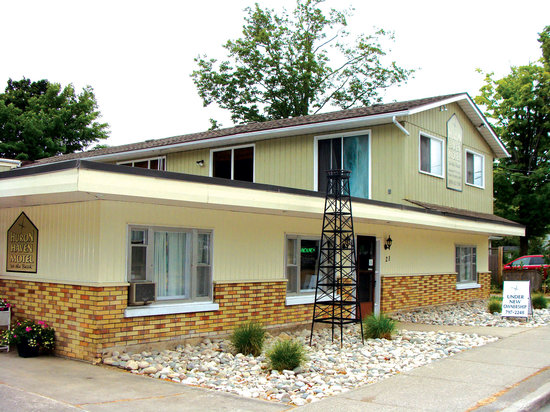 Huron Haven Motel