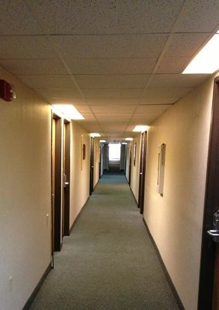 Rodeway Inn: smelly and dingy