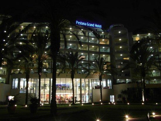 Pestana Grand Premium Ocean Resort: The hotel at night