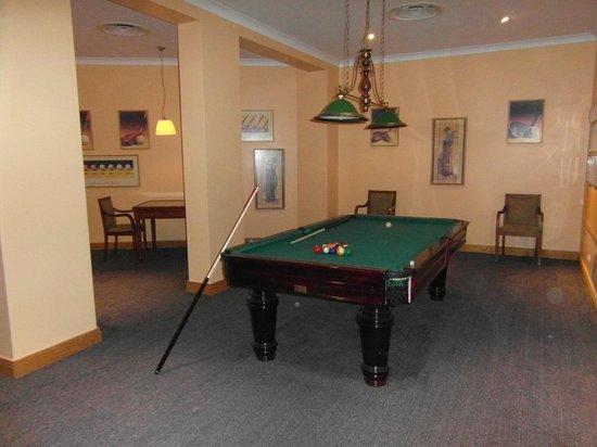 Pestana Grand Premium Ocean Resort: Pool & chess room room