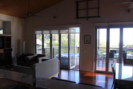 O'Reilly's Rainforest Retreat, Mountain Villas and Lost World Spa: Inside the villa