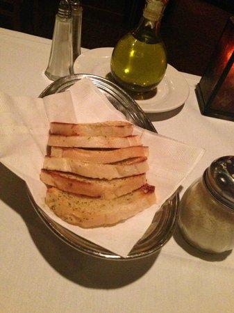 Rillo's: Complimentary Garlic Bread