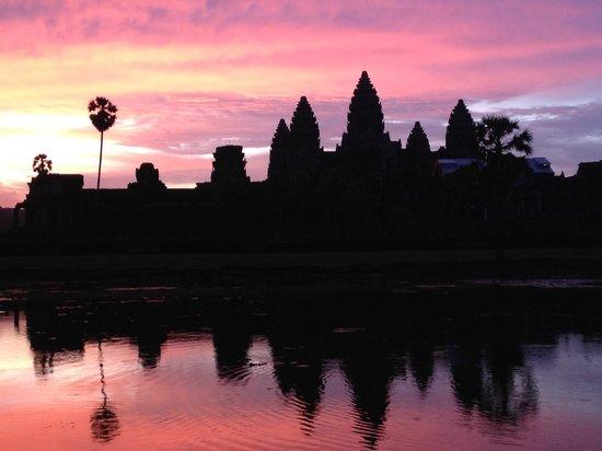 Community Residence Siem Reap: Angkor Wat sunrise