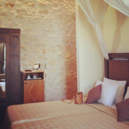 Hotel Leo : Nuestra habitacion, preciosa