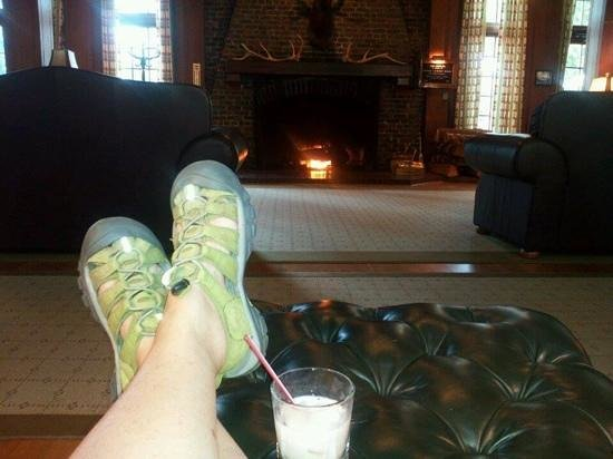 Lake Quinault Lodge: Add a caption