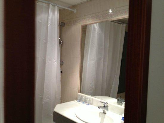 Hotel Mirablau: Bathroom