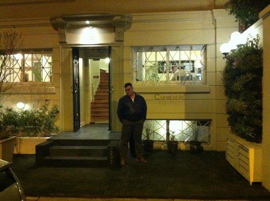 Carménere: Frente do Hotel