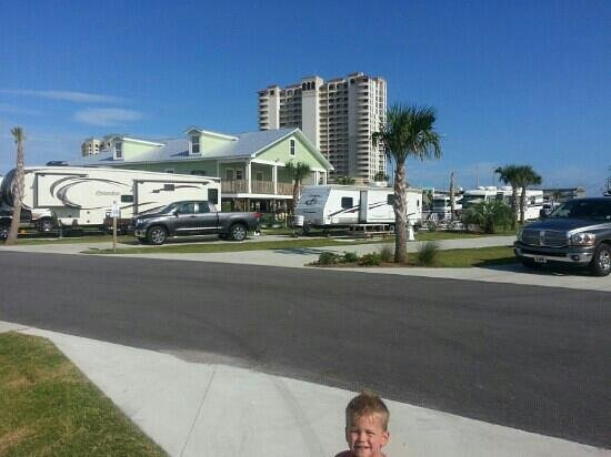 Pensacola Beach RV Resort: view to the front of the park