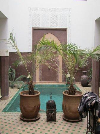 Riad Khabia : La piscine