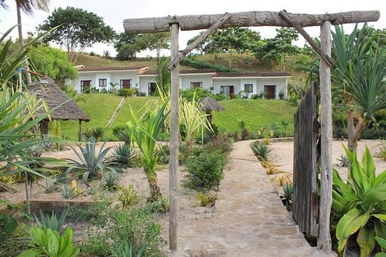 Bagamoyo Country Club: View of the rooms from the beach