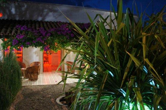 Hotel Cosijo Turismo Rural: Recepción y Salita de Espera