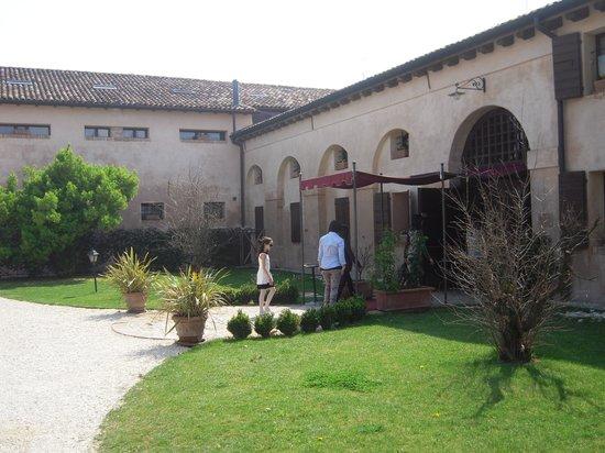 Riese Pio X, Itália: entrata del ristorante