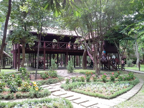 Siam Cultural Park: Traditional Thai Style House