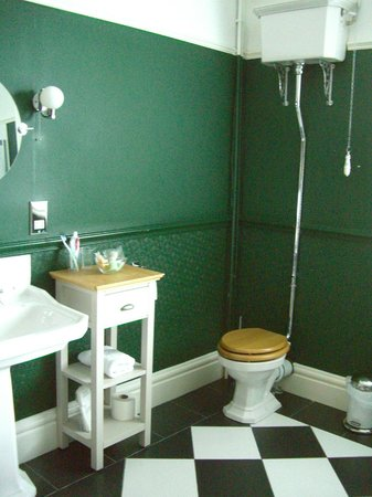 Bryn Holcombe: Bathroom in Romantic Bedroom suite