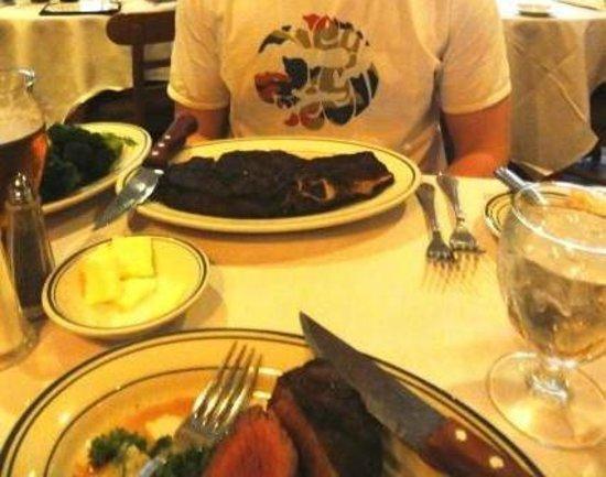 Frankie & Johnnie's Steakhouse : Rib-eye and Filet Mignon ready to eat