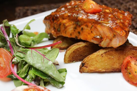 Oasis Bar and Restaurant: Baked Fillet of BBQ Salmon