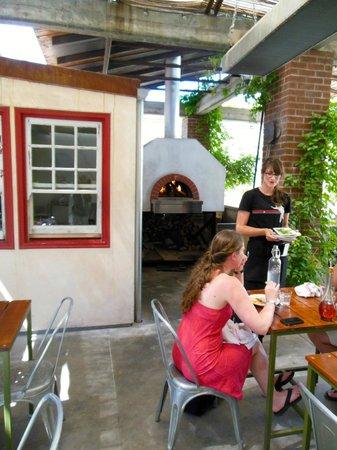 Campo Fina: Pizza oven