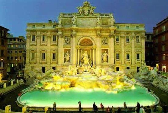 Rome Tours Experience: Trevi Fountain