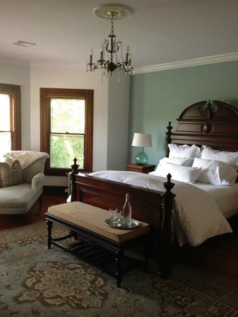 Fordham House: Our fabulous bedroom.