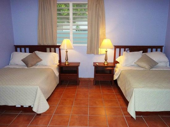 Casa Ladera: The Villa - Bedroom with Two Full Beds