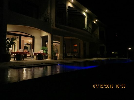 Villa Buena Onda: Night shot from outside
