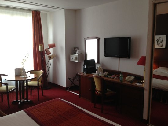 Best Western Plus Hotel Massena Nice : Belle et grande chambre