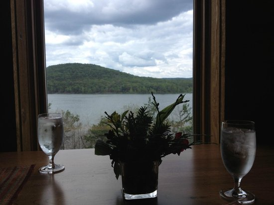 Stonewater Cove Resort and Spa: View from dining room