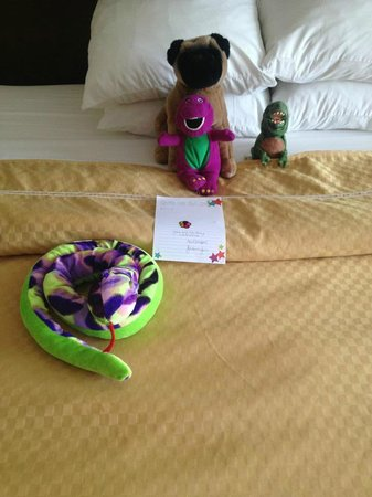 Comfort Suites Lake George: Jennifer (housekeeper) arranged her animals!