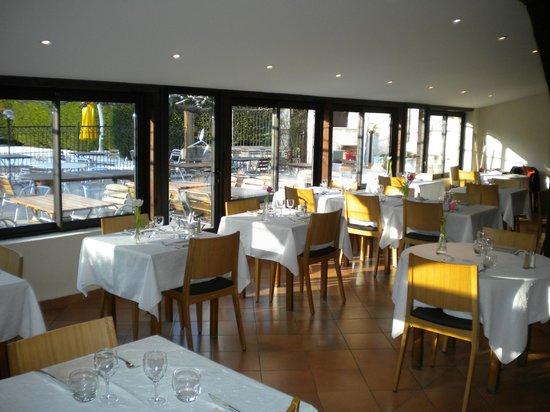 Auberge Cigaloise : La salle de restaurant