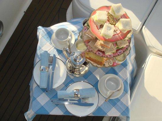 Cafe Cruises: Picnic teas