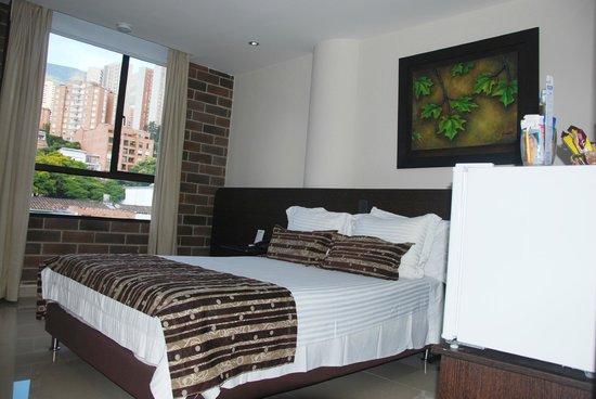 Hotel Acqua Medellin: Habitación Single - Vista a la calle