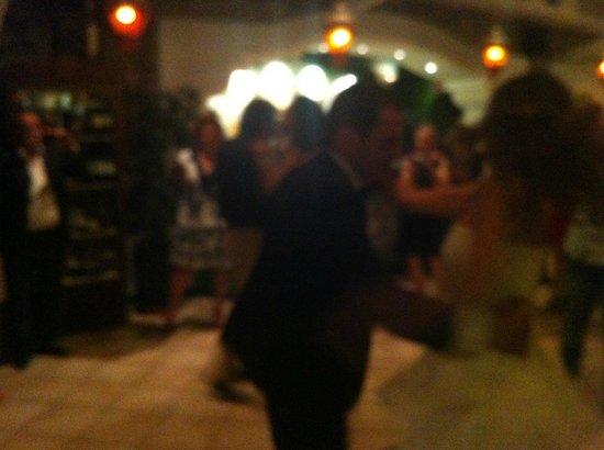 Si balla - Picture of Ristorante Oasis Piano Bar Dancing, Forio ...