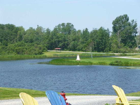 Pictou Lodge Beachfront Resort: Lagoon at entrance