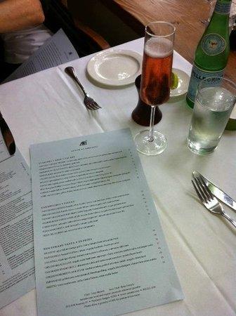 Serratto: Menu Table