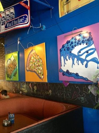 LUNA PIZZA : artwork above our booth