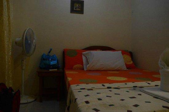 Marikit Pension (El Nido): Bed good for 2