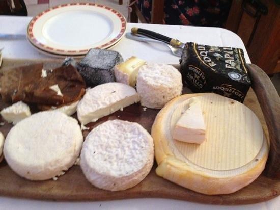 Auberge du Teillon: Cheese trolley