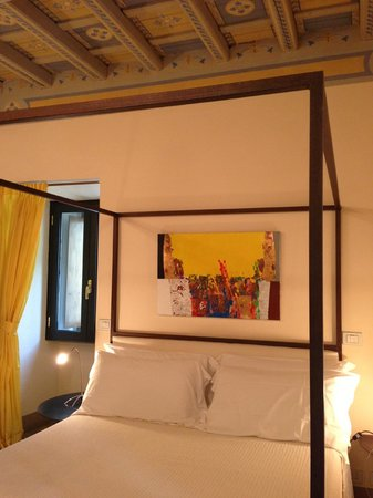 Residenza Torre Colonna: Yellow Room