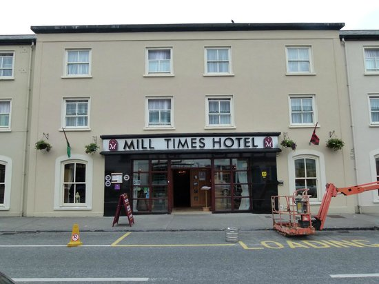 Mill Times Hotel Westport: Front of the hotel. The entrance to the underground garage is just to the right of the hotel