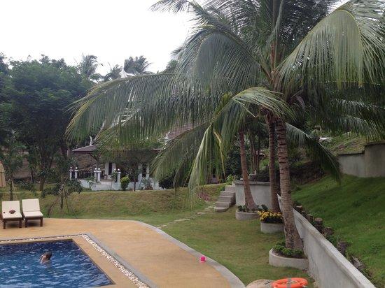 Woodlawn Villas: Main villa beside pool