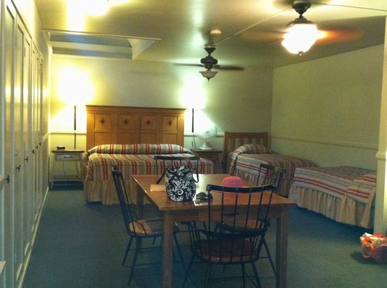 Yosemite Valley Lodge: Family Room sleeping area