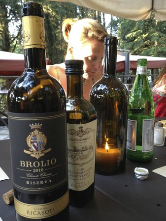 Osteria del Castello: The wines are superb as well as the olio di olive