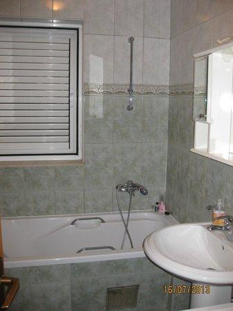Apartments Prince Hrvoje: One bathroom